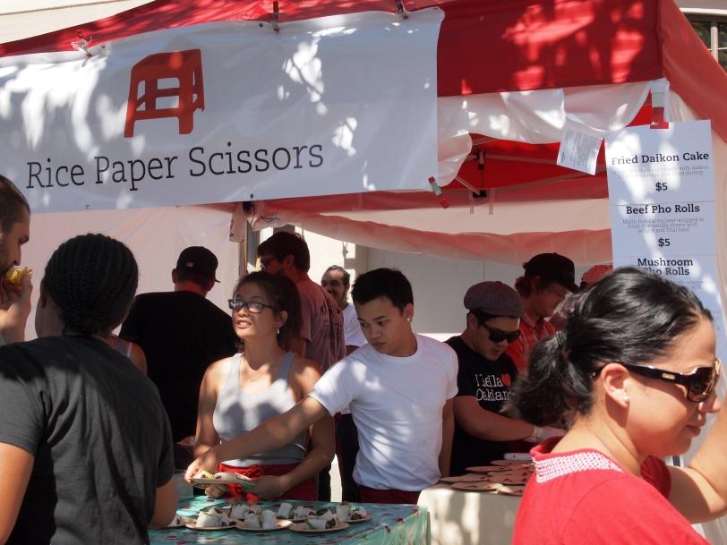 Rice Paper Scissors Stand