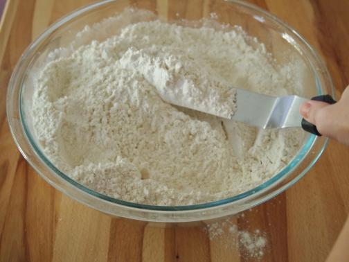 Aerate Flour