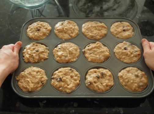 Settle muffin batter